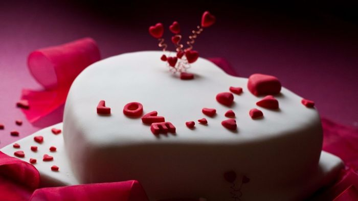 I-Miss-You-heart-beautiful-white-pink-cake-hd-for-facebook